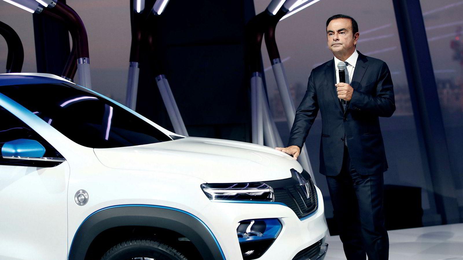 I ukene før Nissans styreleder Carlos Ghosn ble arrestert, skal han ha lagt planer om å fusjonere franske Renault og Nissan. De to bilprodusentene samarbeider på utvikling og innkjøp.