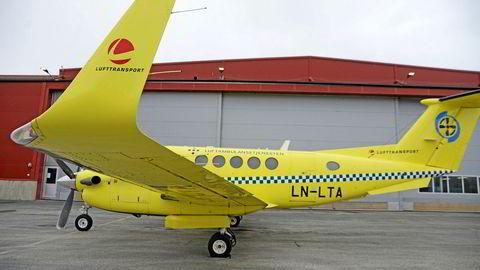 Luftambulansefly fra Lufttransport på Tromsø Lufthavn, og konflikten om pilotene er fortsatt fastlåst.