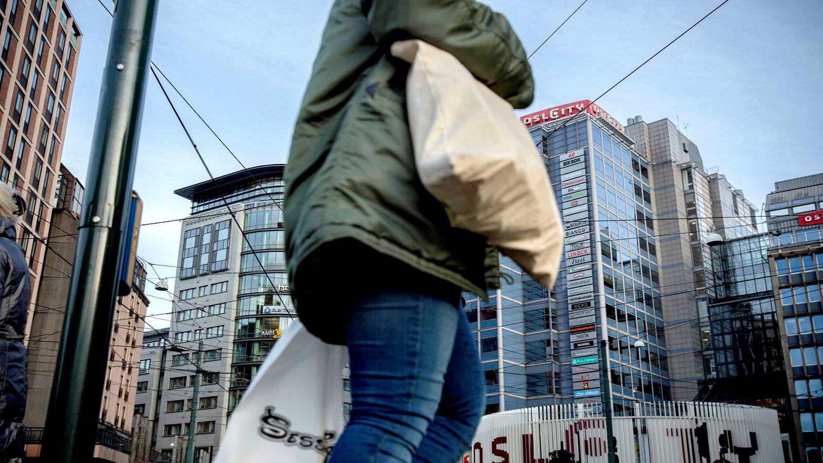 Norske husholdningers gjeld har vokst kraftig de siste syv årene, men takket være at inntektsveksten gjennomgående har vært høyere enn rentene har det vært mulig å opprettholde en konstant gjeldsgrad, skriver artikkelforfatteren. Foto: