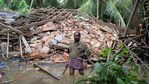 Ajith Prasad (54) er blant de mange som er rammet av flomkatastrofen i India.