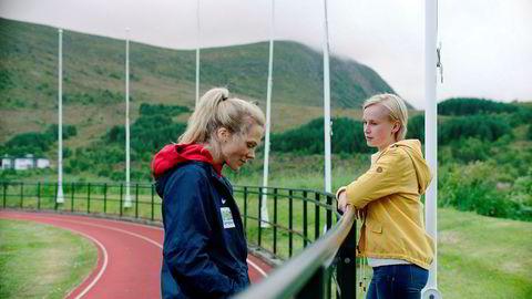 Helena Mikkelsen (Ane Dahl Torp) og datteren Camilla (Emma Bones) i sesong to av «Heimebane».