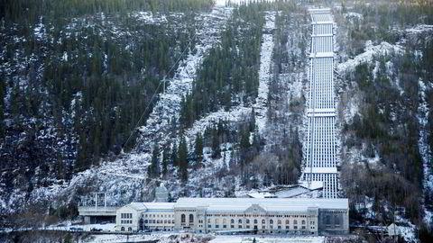 Hydro var den dominerende arbeidsgiveren på Rjukan. Den gamle kraftstasjonen Vemork huser i dag Norsk Industriarbeidermuseum.