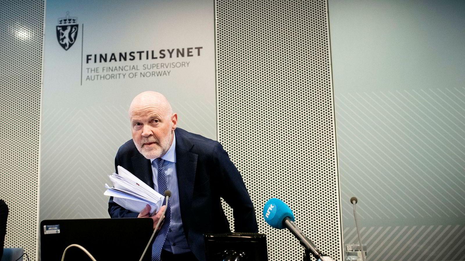 Finanstilsynet, med Morten Baltzersen i spissen, har fått i oppdrag å følge med på finansinstitusjoners klimarisiko. Foreløpig er det ingen spor av at tilsynet har fulgt det opp.