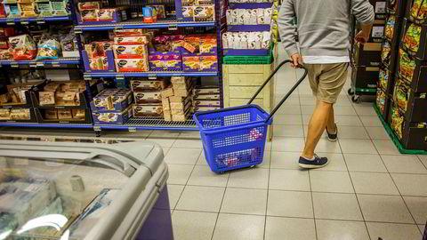 Kiwi har de siste årene halet innpå Rema som Norges største dagligvarekjede, men alle de tre dagligvarekjedene tar nye markedsandeler, ifølge Nielsen.