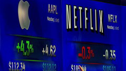 Netflix-aksjen har falt 28 prosent siden september og føyer seg inn i rekken av flere teknologiselskaper som har rast på børs de siste månedene.