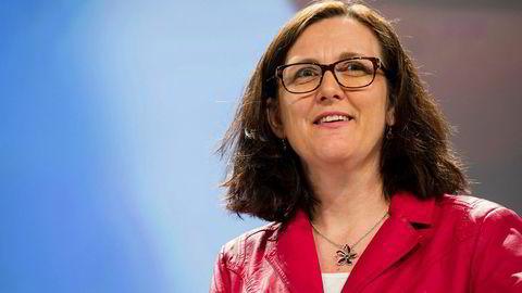 EUs handelskommissær Cecilia Malmström skal være i kontakt med USAs handelsrepresentant Robert Lighthizer, men unionen er lite fornøyd med at usikkerheten fortsetter.