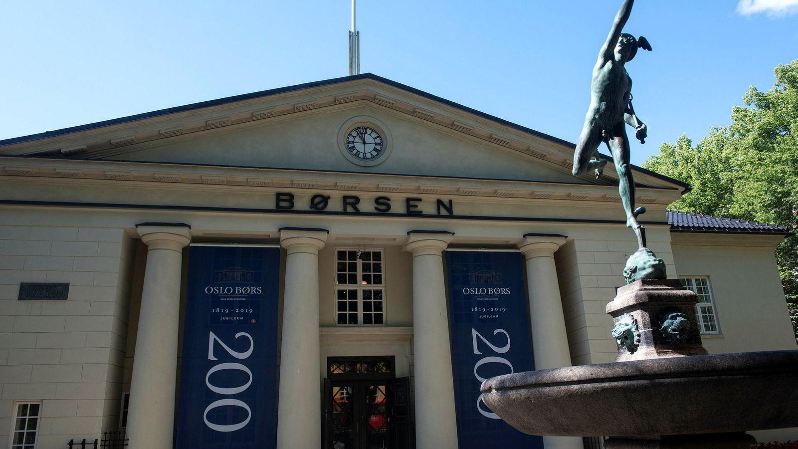 Det er fortsatt mulig å finne penger på gaten utenfor Oslo Børs.