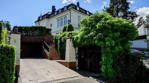 Petter Stordalen har fått tillatelse til å endre parkeringsfasilitetene ved sin eiendom på Bygdøy i Oslo. Nå klager flere naboer.