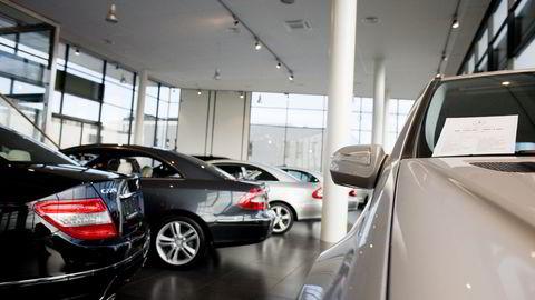 Vi kjøper flere nye biler, og importerer færre brukte biler enn før. Foto: Tore Meek /