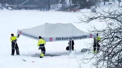 Politiet fikk bistand av dykkere fra brannvesenet under søket i Langvannet.