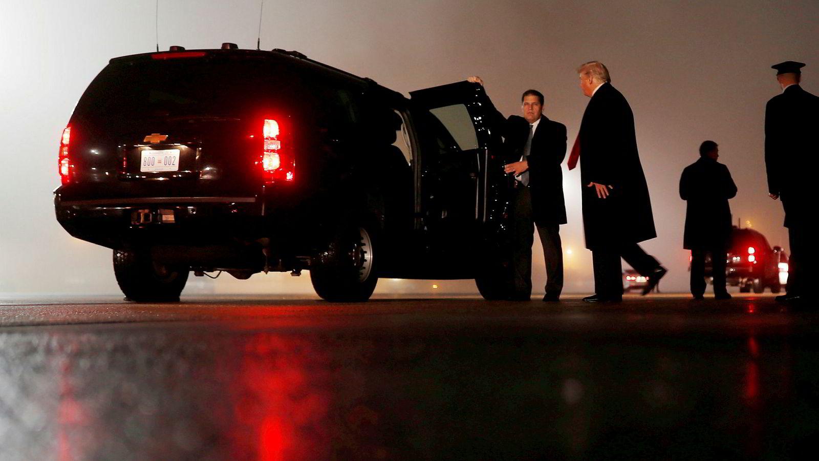 President Trump tvitret onsdag morgen at valget hadde vært en suksess. Her ankommer han Joint Base Andrews, sent tirsdag.