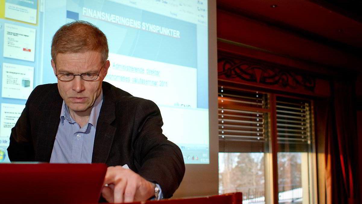Administrerende direktør Arne Hyttnes i Finansnæringens Fellesorganisasjon avviser at bankens utlånsiver har skyld i de høye boligprisene.