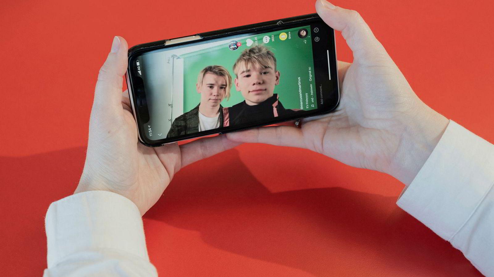 TikTok er blitt en av verdens mest nedlastede apper på smarttelefoner. Det kinesiske eierselskapet Bytedance sitter på enorme datamengder som behandles med avansert kunstig intelligens.