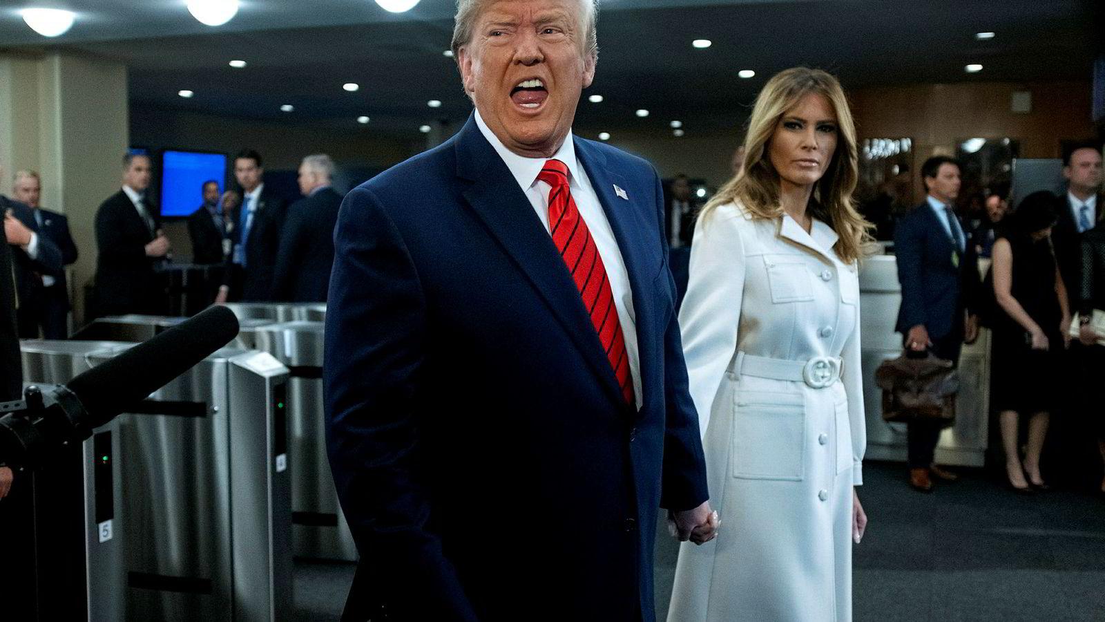 USAs president Donald Trump ser frem til en fight med demokratene etter de vil iverksette en offisiell granskning for å se om det er grunnlag for å stille ham for riksrett. – Presidenten må holdes ansvarlig. Ingen er over loven, sa Demokratenes leder i Representantenes hus, Nancy Pelosi.
