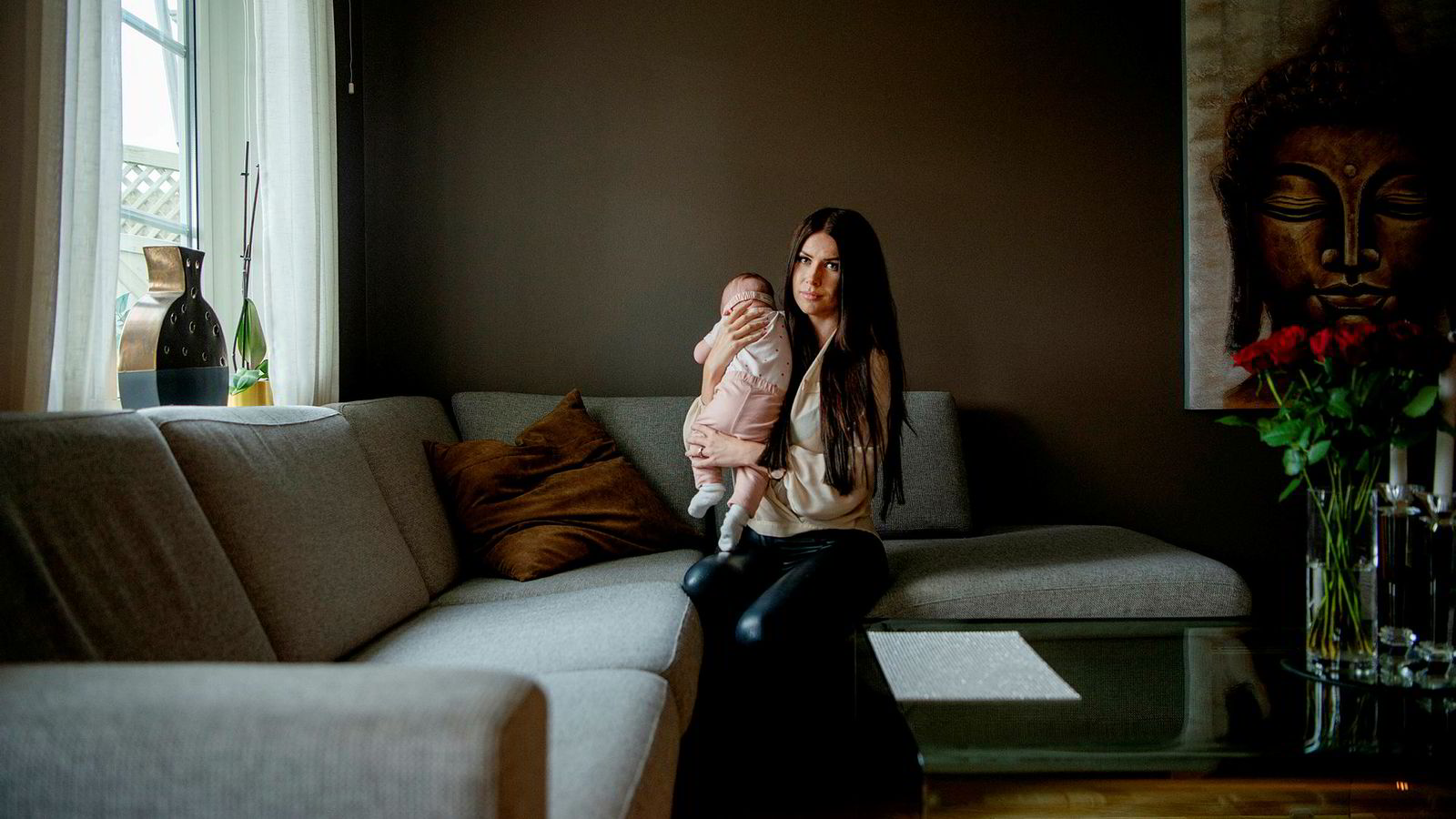 Victoria Stewart (28) er på boligjakt, og er ikke fornøyd med Finanstilsynets nye forslag til boliglånsforskriften. Her er hun med sin fire måneder gamle datter.