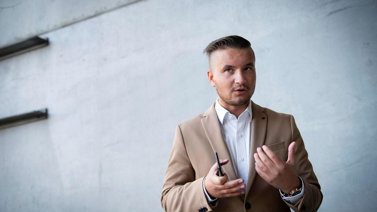 Leder i NEF Ung Anders Kløvning mener dagens universitets- og høyskolelov er utdatert.