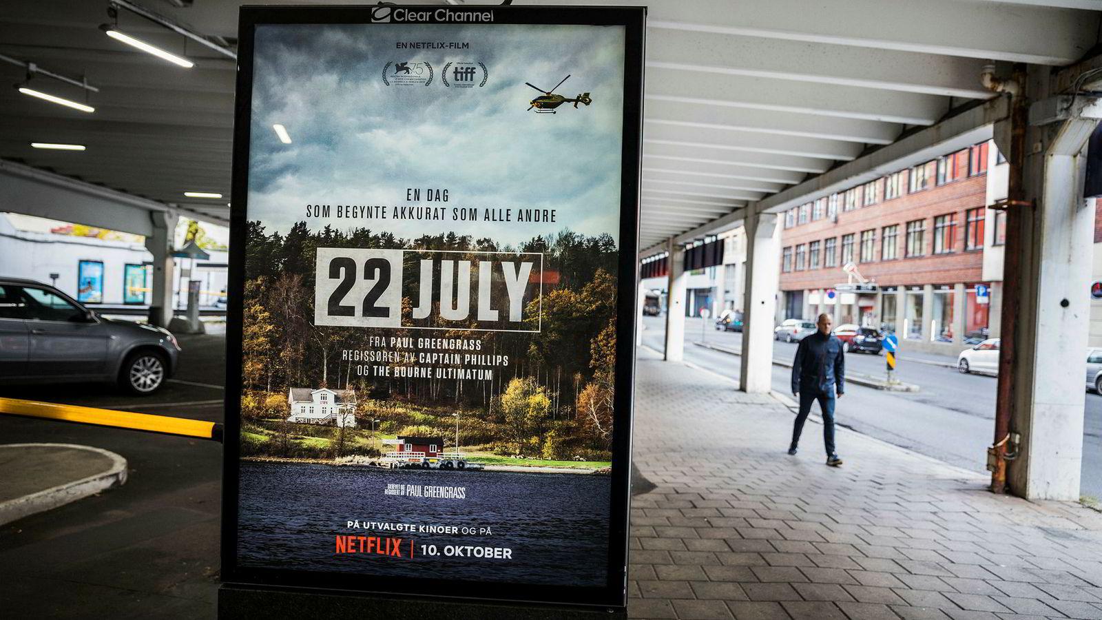 Filmplakaten til Netflix-produserte «22 July» er å finne en rekke steder i Oslo sentrum.