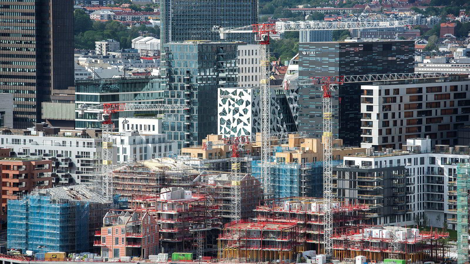Bjørvika er et av de mest populære nybyggområdene i Oslo. Bildet viser leilighetene ved Barcode.