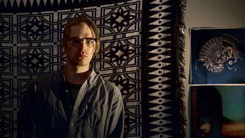 Norsk elektronisk musikk på sitt beste. André Bratten ved siden av noen av sine inspirasjonskilder.