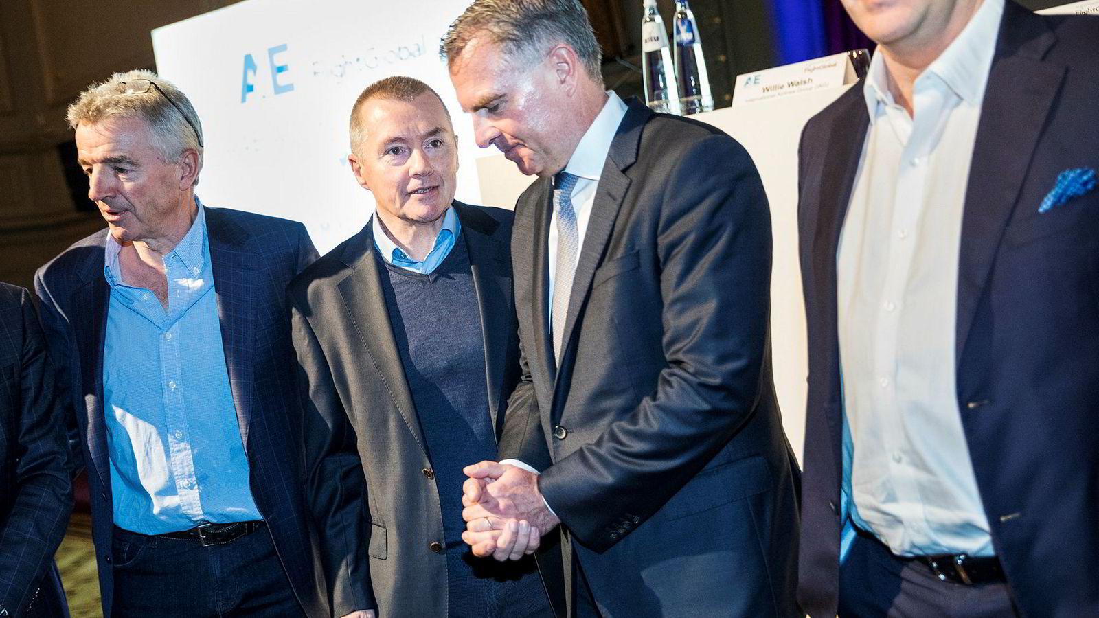 IAGS toppsjef Willie Walsh (nummer to fra venstre) sier uroen rundt brexit ikke påvirket beslutningen om å gi opp kjøpet av Norwegian. Onsdag var han i Brussel med blant annet Ryanair-sjef Michael O'Leary (fra venstre), Lufthansa-sjef Carsten Spohr og Easyjet-sjef Johan Lundgren.