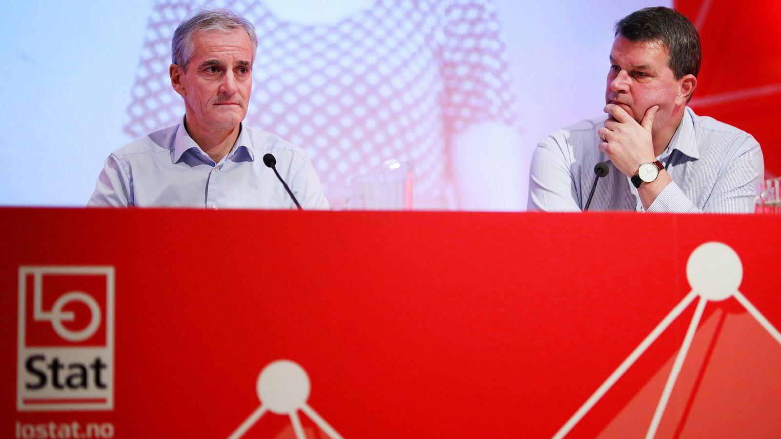 Problemet for LO-sjef Hans-Christian Gabrielsen (til høyre) og Ap-leder Jonas Gahr Støre er at EØS-reglenes krav til fri etablering kan begrense streikeretten, skriver innleggsforfatteren.