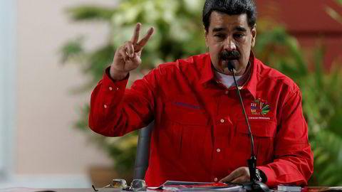 Venezuelas president Nicolás Maduro har bestemt at landet trekker seg fra forhandlinger i protest mot USA.
