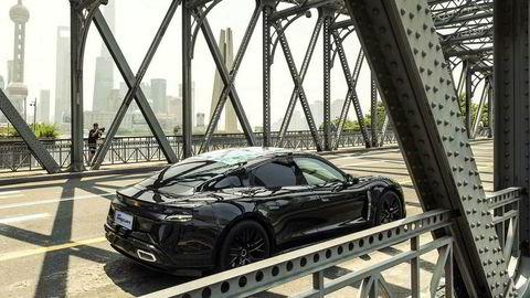 Porsche Taycan på test i Shanghai.
