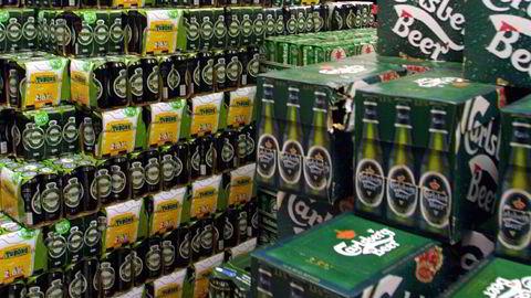Først begynte folk å blø i munnen. Nå har flere typer Carlsberg-øl begynt å smake vondt - og må tilbakekalles av den grunn. Arkivfoto: Terje Bendiksby / SCANPIX