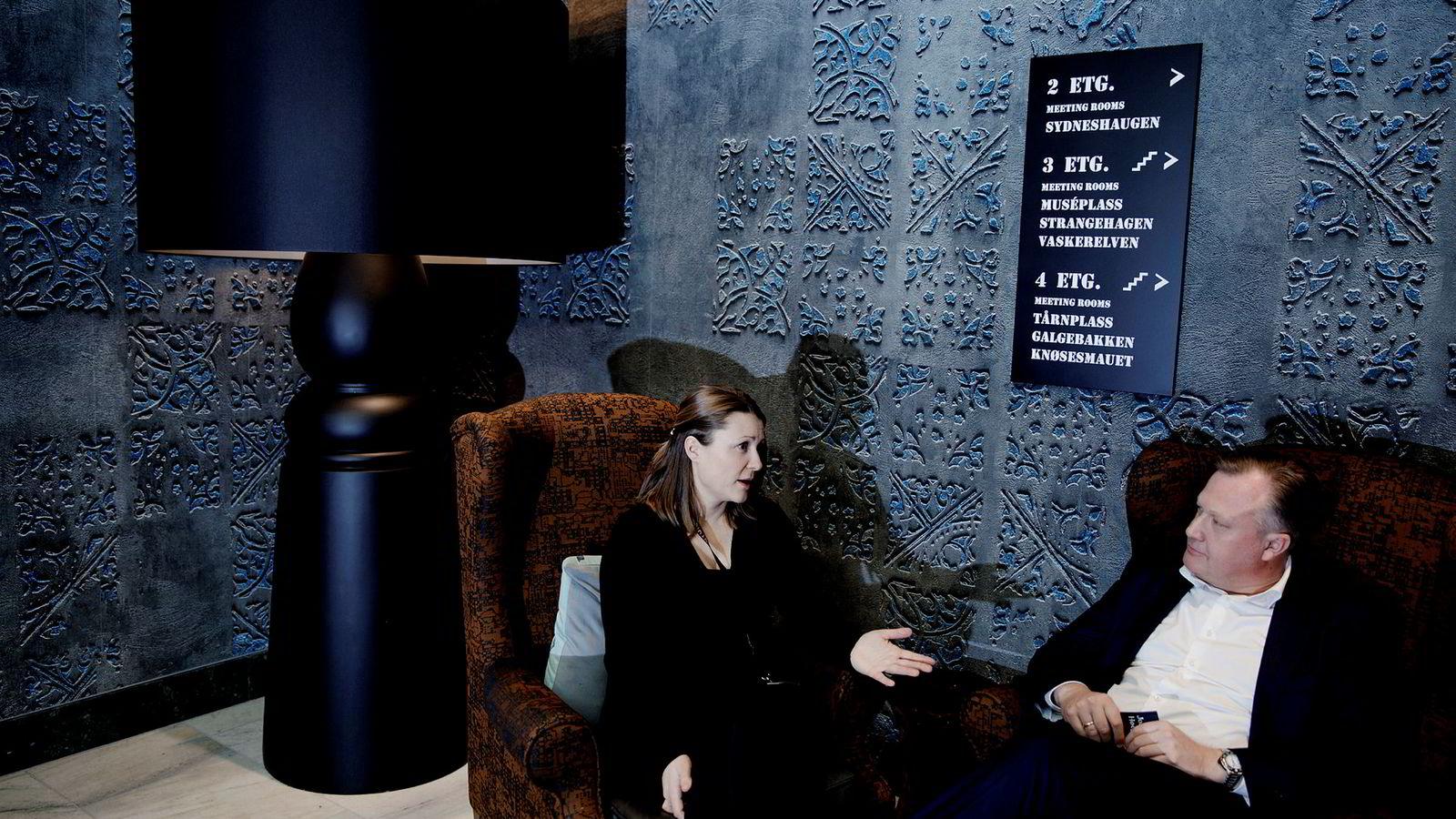 Administrerende direktør i Argentum, Joachim Høegh-Krohn og Friskus-gründer Sigrid Nedkvitne er enige om at investormiljøet trenger flere kvinner.
