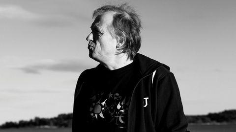 Bill Clinton. Den norske musikeren Erik Wøllo har komponert flere album enn det er uker i et år, men er aldri blitt profet i eget land. I USA har han imidlertid høstet suksess, blant annet hos forhenværende president Bill Clinton, som skal ha spilt musikken i Air Force One.