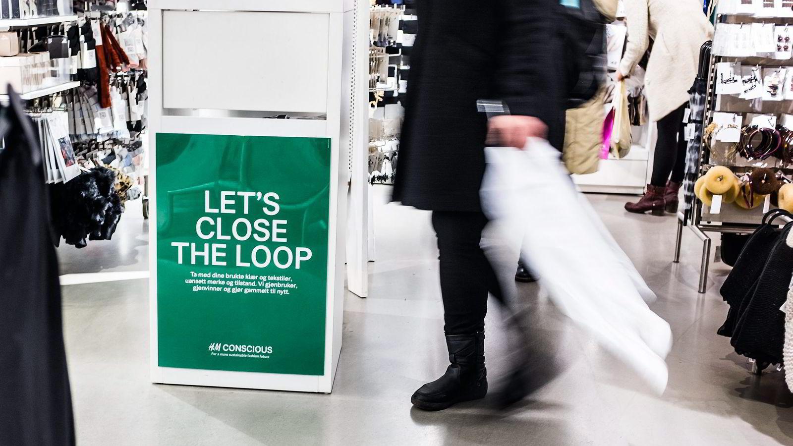 «Let's close the loop» er en kampanje som Hennes & Maurtiz har hvor de resirkulerer klær.