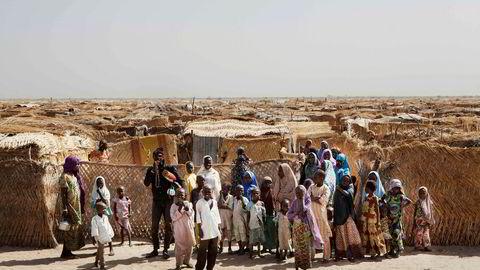 Om lag tre millioner mennesker er på flukt, syv millioner er avhengig av matvarehjelp, en halv million barn er underernært og 14 millioner barn står uten skolegang, skriver artikkelforfatteren. Her fra en leir for internt fordrevne i Monguno-distriktet i Borno i Nigeria.