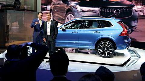 Volvo presenterer bestselgeren XC60 i Genève. Fra venstre Thomas Ingenlath som nå er sjef for Polestar og Håkan Samuelsson, toppsjef i Volvo.