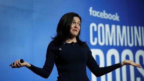 Nummer to i Facebook, Sheryl Sandberg, har møtt krass kritikk for mange av pr-grepene hun og selskapet tok etter å ha blitt rammet av en serie skandaler den siste tiden.