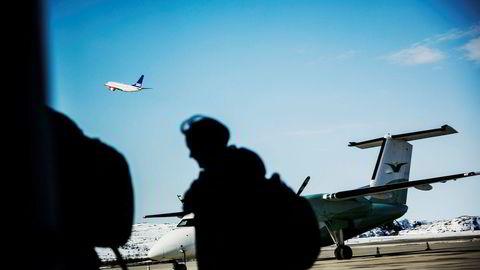 Verdens flyselskaper har firedoblet sine avgifter siden 2010. Nå prøver Norwegian ut et ekstragebyr på 50 kroner for såkalt priority boarding. Foto: Per Thrana