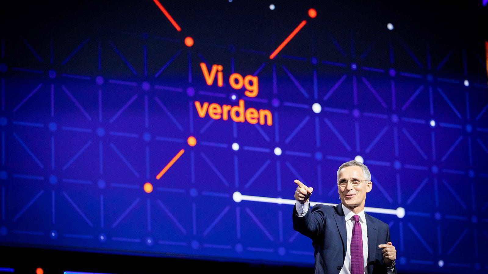Jens Stoltenberg har entret scenen på NHOs årskonferanse som statsråd, statsminister og statsministerkandidat. Onsdag gjorde han det som Nato-sjef.
