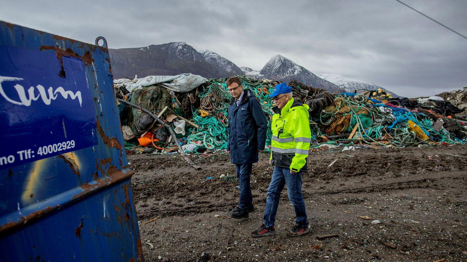 Gasellen Perpetuum Circuli as driver med avfallshåndtering og deponi. Her styreleder Are Lorentsen (til venstre) og daglig leder Stein Erik Nilsen.