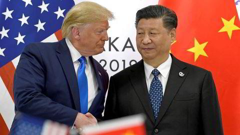 President Donald Trump og Kinas president Xi Jinping har møttes flere ganger siden handelskrigen brøt ut i fjor. Skepsisen til Trump er stor hos Xi. Begge parter sier de ønsker å få på plass en handelsavtale.