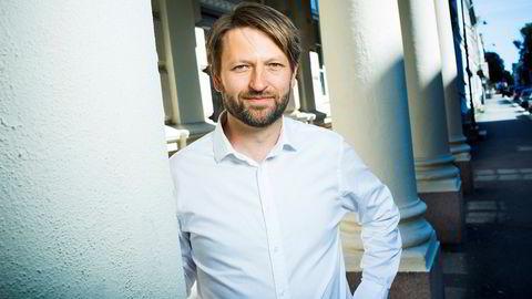 Høyres byrådslederkandidat i Oslo, Eirik Lae Solberg, leser mye for barna sine. For tiden går det i bøker som også er spennende lesning for ham selv.