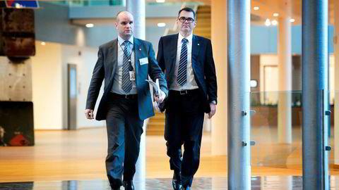 Informasjonsdirektør Halvor Molland (t.v.) sammen med konsernsjef Svein Richard Brandtzæg i Hydro.