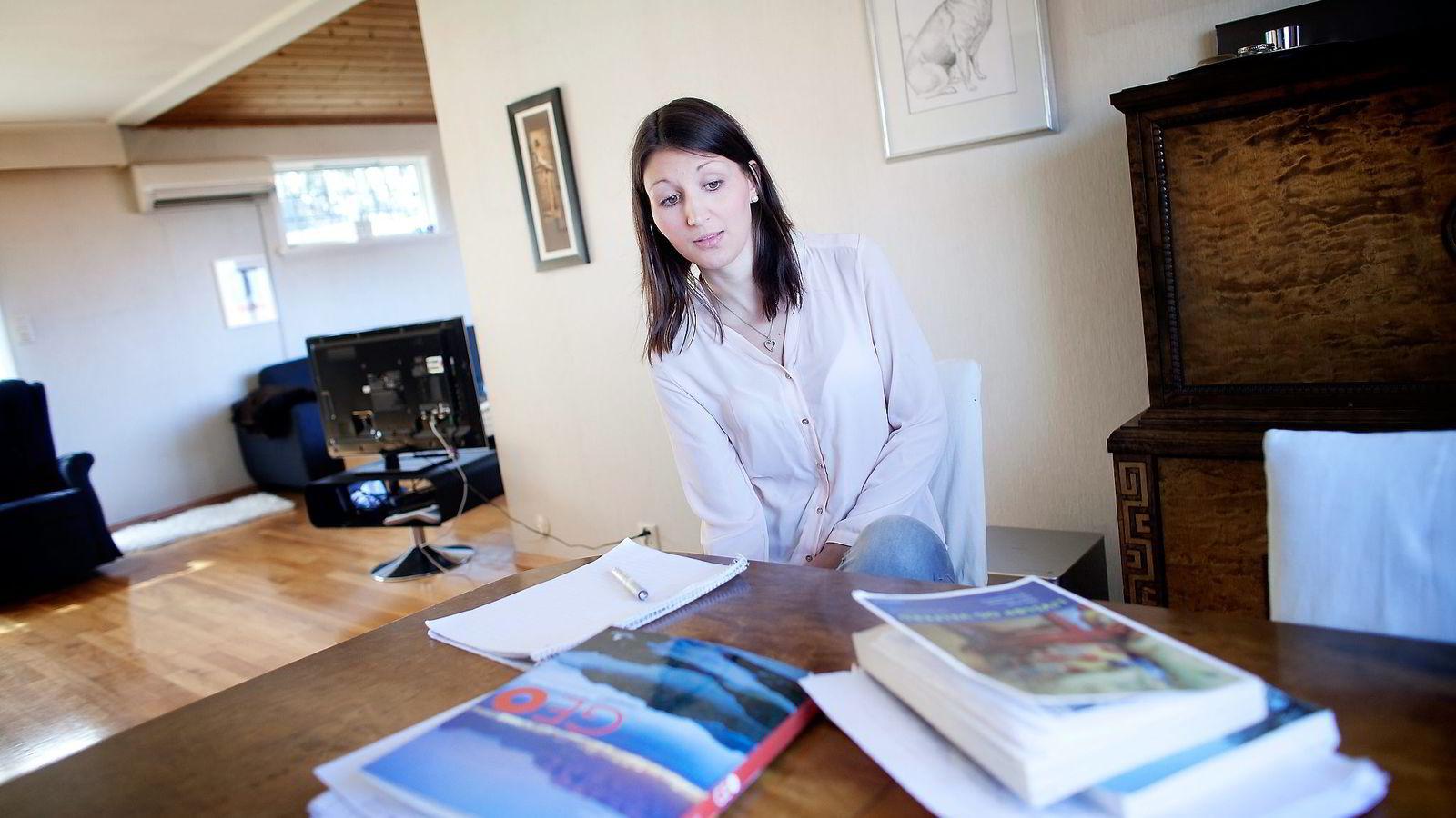 Hedda Zwerg Fylling begynte på jusstudiet ved Universitetet i Stavanger og trodde overgangen til masterstudier i Bergen ville bli enkel. Det ble den ikke.