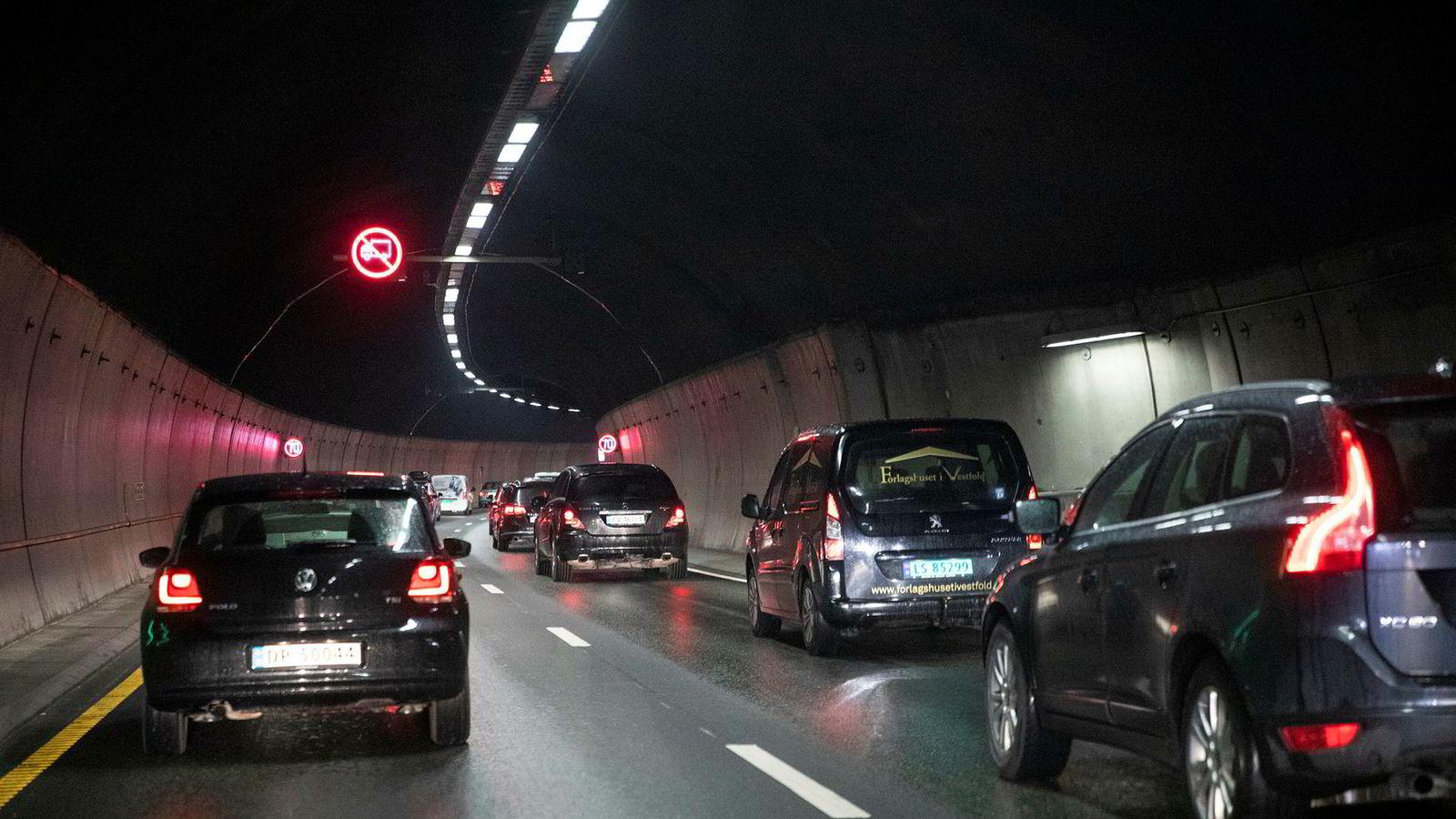 Utslippene fra veitrafikken økte i 2018. I årene fremover må utslippene gå ned.
