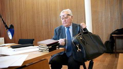 Herbjørn Hanssons Nordic American Tanker (Nat) er saksøkt av selskapets tidligere finansdirektør for manglende oppfyllelse av en pensjonsavtale.