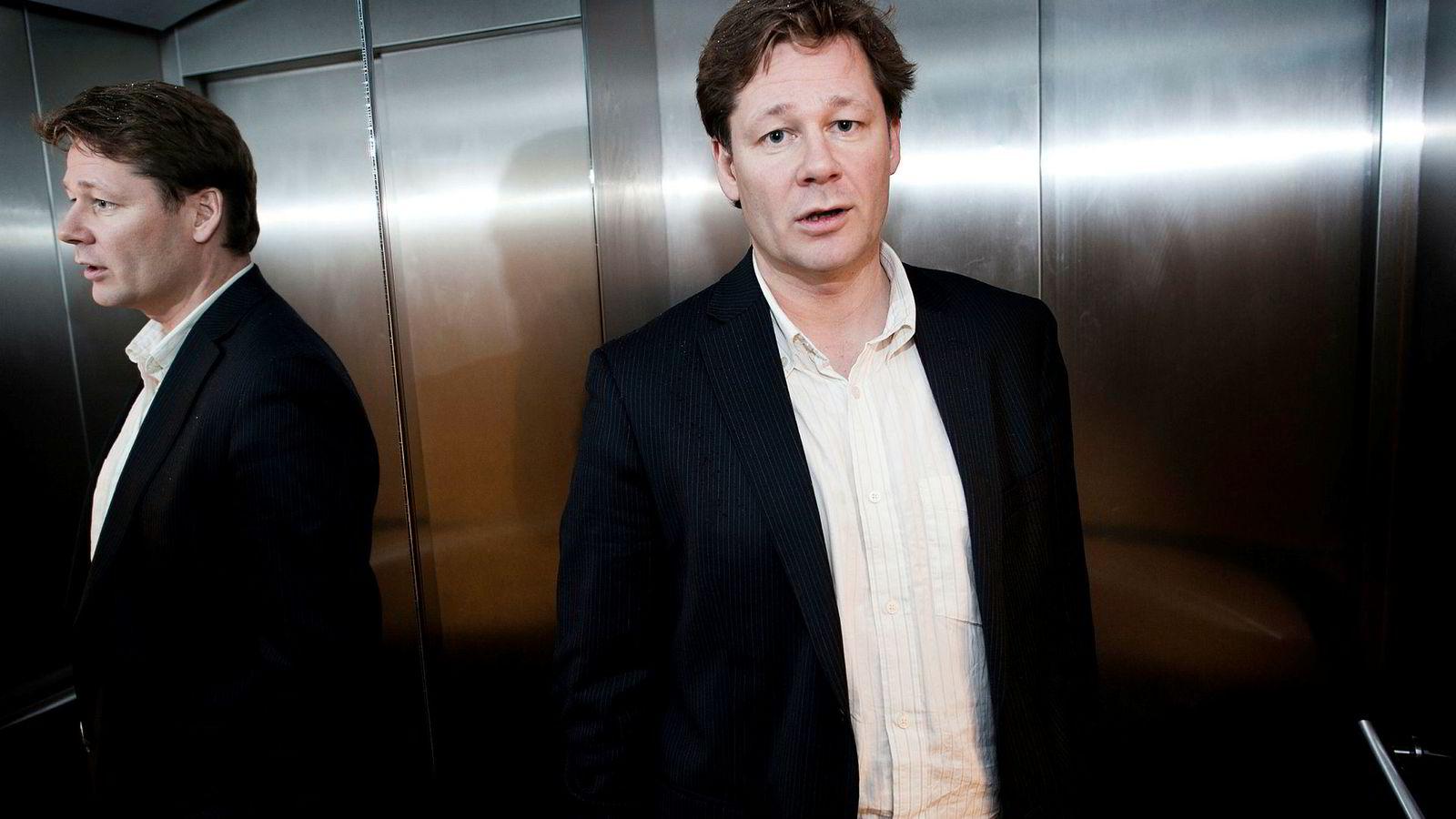 Senior porteføljeforvalter Lars Erik Moen i Danske Capital Norge sier de evaluerer situasjonen i Telenor fortløpende.