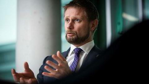 Helseminister Bent Høie står imot tøffe retoriske angrep fra kreftleger og helseaktivister. Foto: Skjalg Bøhmer Vold