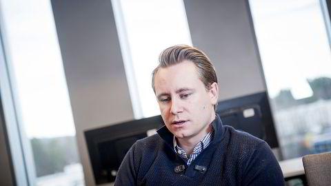 Kristian Monsen Røkke (32) er toppsjef i MHWirth-eier Akastor. Nå kutter selskapet påny. Foto: Gorm K. Kaare