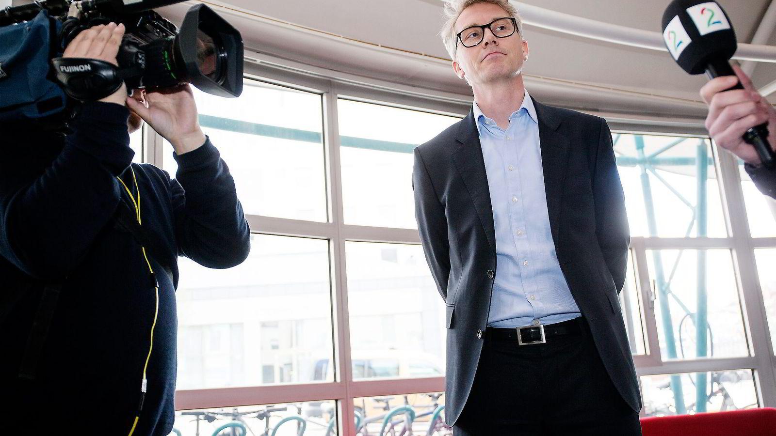 TV 2-sjef Olav T. Sandnes er den siste medielederen som nå har varslet omfattende kutt. TV 2 skal kutte kostnader for 350 millioner kroner frem mot 2020. Foto: