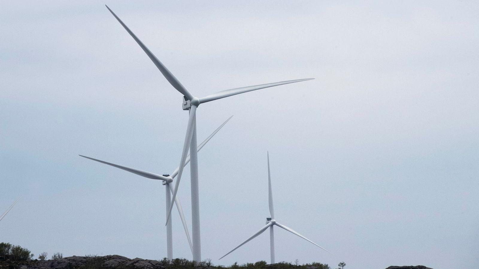 I møte med utsikter til at det norske behovet for kraft skulle øke, innebærer foreløpig planen å løse dette med utbygging av vindkraft, skriver artikkelforfatterne.