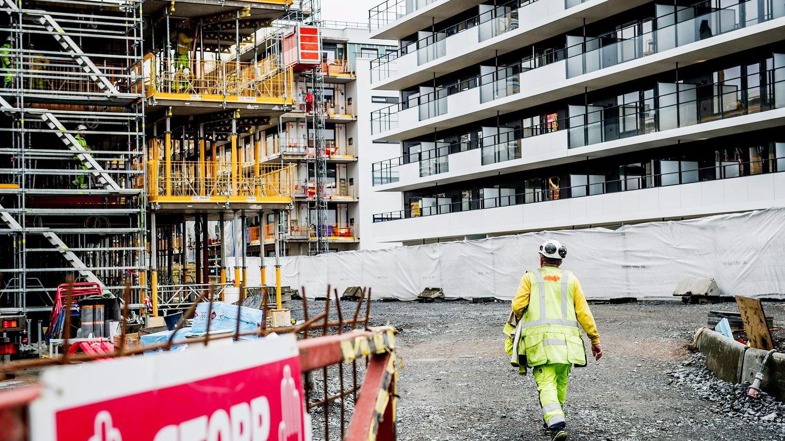 Å holde boligprosjektene innenfor vedtatte rammer er et av rådene fra artikkelforfatteren som å få til en raskere boligbygging. Her fra OBOS' boligprosjekt på Ensjø i Oslo. Foto: Gorm K. Gaare