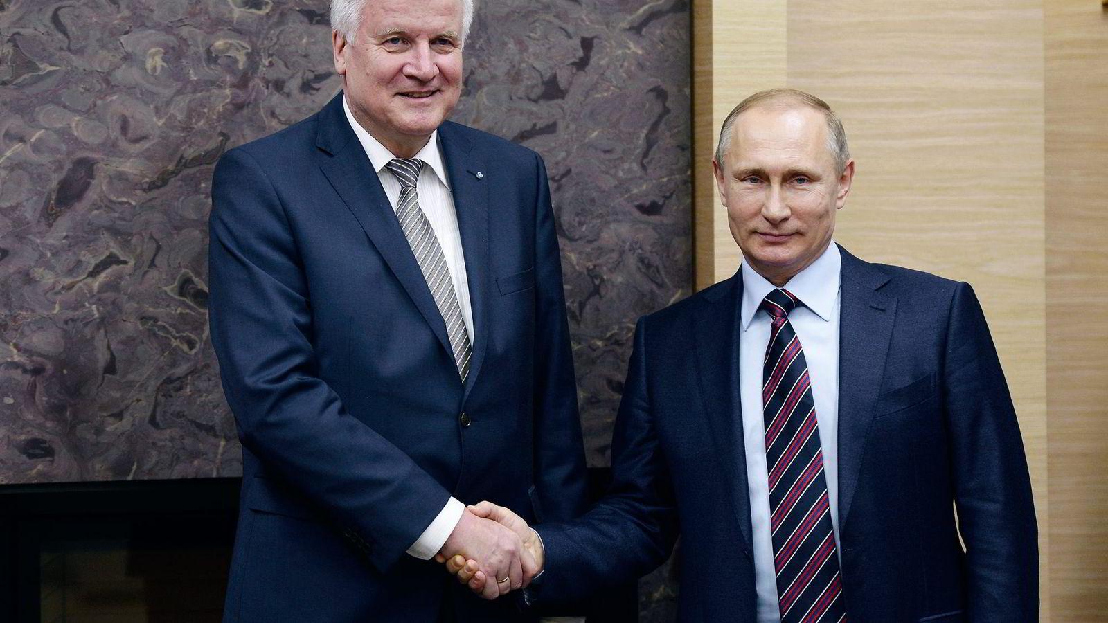 Bayerns øverste politiske leder Horst Seehofer var denne uken på en meget kontroversiell visitt hjemme hos Vladimir Putin i Moskva. Foto: Alexei Nikolsky, Reuters/NTB Scanpix